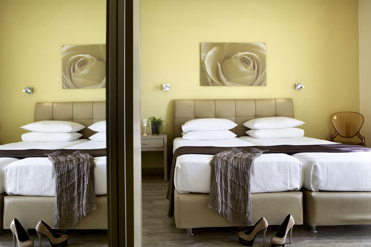 Interior view of the comfortable family suite in Argostoli with two bedrooms at Mouikis Hotel 35m²